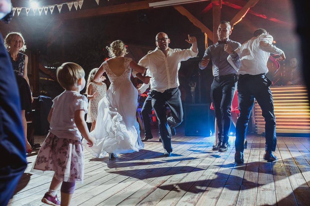 wesele w stodole wrocław dolnyśląsk fot Krystian Papuga