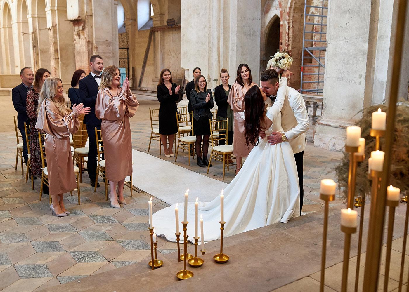 wyjątkowy ślub - przysięga - fotograf ślubny wrocław